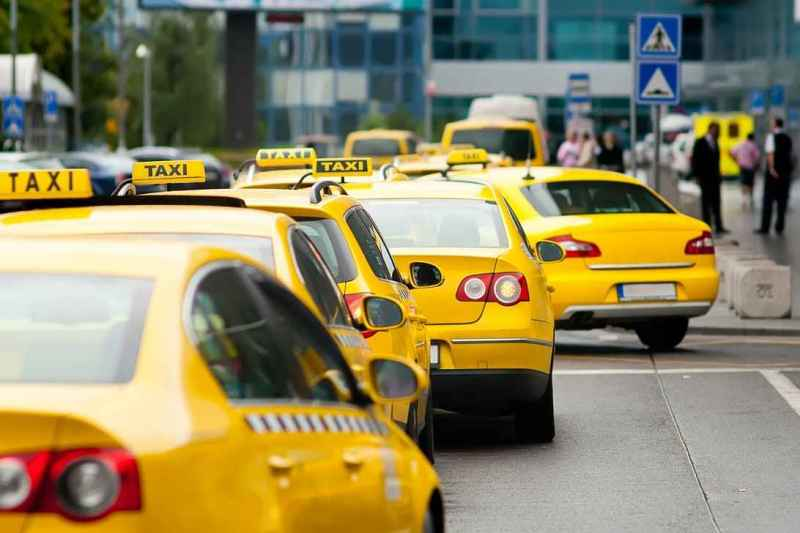 taxi-moscow-cnw
